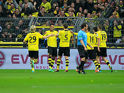 15.02.2014, Signal Iduna Park, Dortmund, GER, 1. FBL, Borussia Dortmund vs Eintracht Frankfurt, 21. Runde, im Bild vl: Marcel Schmelzer (Borussia Dortmund #29), Kapitaen Sebastian Kehl (Borussia Dortmund #5) gratulieren dem Torschuetzen zum 1:0 Pierre-Emerick Aubameyang (Borussia Dortmund #17) // during the German Bundesliga 21th round match between Borussia Dortmund and Eintracht Frankfurt at the Signal Iduna Park in Dortmund, Germany on 2014/02/15. EXPA Pictures © 2014, PhotoCredit: EXPA/ Eibner-Pressefoto/ Schueler<br /> <br /> *****ATTENTION - OUT of GER*****