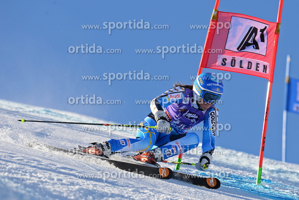 26.10.2013, Rettembach Ferner, Soelden, AUT, FIS Ski Alpin, FIS Weltcup, Ski Alpin, 1. Durchgang, im Bild Maria Pietilae-Holmner from Sweden races down the course // Maria Pietilae-Holmner from Sweden races down the course during 1st run of ladies Giant Slalom of the FIS Ski Alpine Worldcup opening at the Rettenbachferner in Soelden, Austria on 2012/10/26 Rettembach Ferner in Soelden, Austria on 2013/10/26. EXPA Pictures © 2013, PhotoCredit: EXPA/ Mitchell Gunn<br /> <br /> *****ATTENTION - OUT of GBR*****