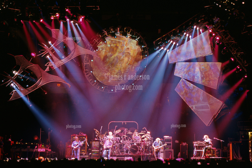 When I Paint My Masterpiece. The Grateful Dead live in concert at the Nassau Coliseum, Uniondale NY, 4 April 1993.