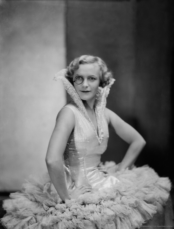 Betty Oliver, actress, 1929