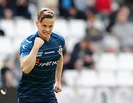 FODBOLD: Målscorer André Riel (FC Helsingør) jubler efter scoringen til 0-1 under kampen i NordicBet Ligaen mellem Vejle Boldklub og FC Helsingør den 21. maj 2017 på Vejle Stadion. Foto: Claus Birch
