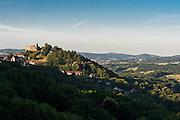 Landschaft mit Burg Lindenfels, Lindenfels, Odenwald, Hessen, Deutschland