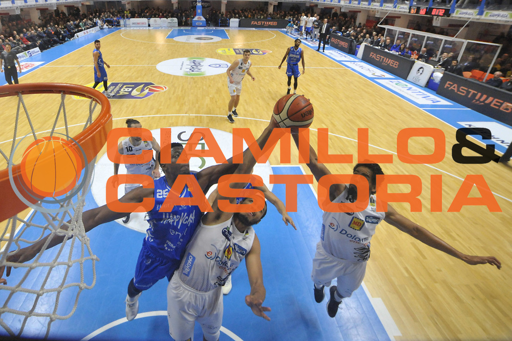 Lalanne Cady, Gutierrez Jorge<br /> Happycasa Basket Brindisi - Dolomiti Energia Trento<br /> Legabasket A 2017-2018<br /> Brindisi10 /12/2017<br /> Foto Ciamillo-Castoria/ M.Longo