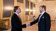 Koning Willem-Alexander heeft woensdagochtend 18 december op Paleis Noordeinde in Den Haag mr. Martin Kuijer beedigd. FOTO Frank van Beek