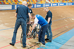 Coach, FRA, Tandem 4km Pursuit Qualifiers , 2015 UCI Para-Cycling Track World Championships, Apeldoorn, Netherlands
