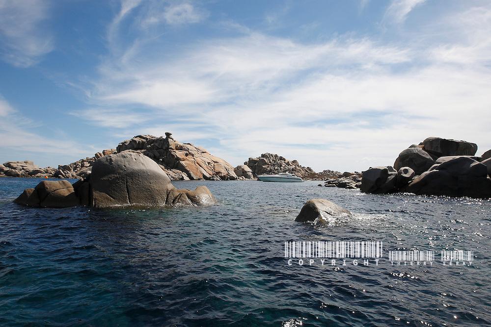 MOTOR YACHT IN SOUTH CORSICA. PERFECT BEACH, BLUE DREAM