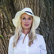 NLD/Amsterdam/20140613 - Leco van Zadelhoff organiseert samen met Beau Monde Beau Bateau een vaartocht met vriendinnen, Patty Zomer