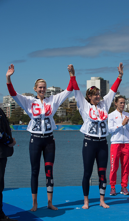 Rio de Janeiro. BRAZIL.   GBR W2X Silver Medalist Katherine GRAINGER and Vicky THORNLEY. 2016 Olympic Rowing Regatta. Lagoa Stadium,<br />