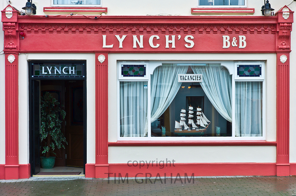 Lynch's Bed and Breakfast guesthouse in tourist resort town of Kilkee, County Clare, West of Ireland
