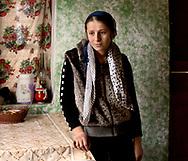 Spanish: En Georgia, pequeño país post-soviético, el 17% de las mujeres se casa antes de cumplir 18 años; por voluntad de sus padres, por amor, o tras ser secuestradas por un pretendiente.<br /> Muchas de ellas, dejan de ir a la escuela, renuncian a sus sueños y se convierten en esposas, madres y a menudo sirvientas en la casa de un hombre que ni siquiera conocen.<br /> Comúnmente aisladas de sus pares y de sus familias de origen, las jóvenes novias son extremadamente vulnerables al abuso físico y emocional (especialmente en el seno de la familia política) y sólo excepcionalmente consiguen alcanzar alguna forma de autonomía económica y poder de decisión.<br /> English: In Georgia, a small post-Soviet country, 17% of girls get married when they are still underage. Most of the girls quit school, give up their dreams and become wives, mothers and often servants in the home of men they don't know at all. Often isolated from their peers and from their families of origin, young brides are extremely vulnerable to physical and emotional abuse and only with a few exceptions manage to get some kinds of economic and decision-making autonomy.<br /> <br /> <br /> <br /> <br /> EN: Maka, 17 years old. Maka got married at 16, is mother of a six months old child and is now once again pregnant. Like most of the young brides, she became pregnant immediately after getting married.<br /> Pankisi Gorge, Georgia, 2016.<br />  <br /> SP: Maka tiene 17 años. A los 15 se casó con Arbi, de 23. El matrimonio fue combinado por una vecina de ella que es pariente de él. Poco después de casarse Maca se quedó embarazada de Sumaia y espera ahora a su segundo hijo.