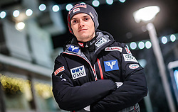 23.11.2017, Ruka, FIN, Manuel Poppinger im Portrait, im Bild der Österreichische Skispringer Manuel Poppinger bei einem Fototermin am Abend // the Austrian ski jumper Manuel Poppinger at a photo session in the night in Ruka, Finland on 2017/11/23. EXPA Pictures © 2017, PhotoCredit: EXPA/ JFK