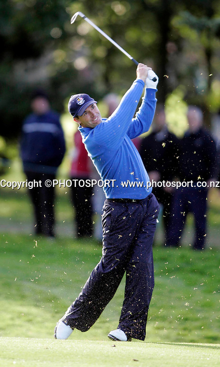 Ryder Cup Day Two, K Club 23/9/2006<br /> Padraig Harrington 2nd shot on the 1st hole.<br /> Mandatory Credit &copy;INPHO/Tom Honan<br /> RYDER CUP<br />  ***FOR EDITORIAL USE ONLY. NO USAGE FOR MOBILE PHONE OPERATORS**