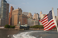 New York. Manhattan skyline south. view from the water taxi, taxi boat   United states  / le skyline des gratte ciel du sud de Manhattan.  vue du water taxi  New york - Etats unis