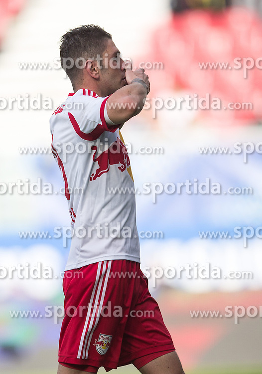 18.05.2014, Woerthersee Stadion, Klagenfurt, AUT, OeFB Samsung Cup, FC Red Bull Salzburg vs SKN St. Poelten, Finale, im Bild Kapitän Jonatan Soriano Casas (FC Red Bull Salzburg) feiert deinen Treffer zum 4:1 // during the mens OeFB Samsung Cup final match between FC Red Bull Salzburg vs SKN St. Poelten at the Woerthersee Stadium, Klagenfurt, Austria on 2014/05/18. EXPA Pictures © 2014, PhotoCredit: EXPA/ Johann Groder