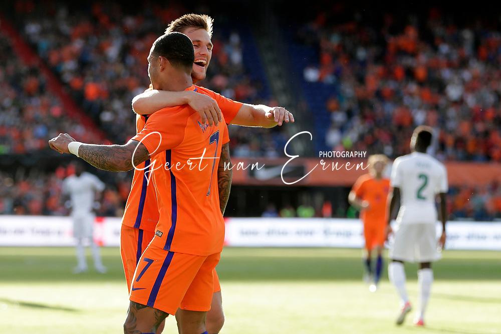 04-06-2017 VOETBAL:NEDERLAND-IVOORKUST:ROTTERDAM<br /> Oranje oefende tegen Ivoorkust vanavond in De Kuip<br /> <br /> Joel Veltman van Oranje (Ajax) viert zijn treffer met Memphis Depay van Oranje (Olympic Lyon) <br /> <br /> Foto: Geert van Erven