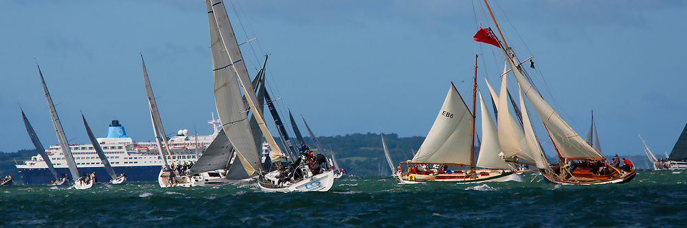 J P Morgan Asset Management, Round the Island Race, 2012, Cowes, Isle of Wight, Sports Photography