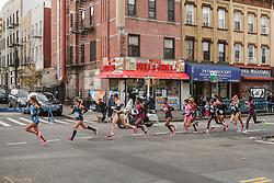 NYC Marathon, Moreira leads pack