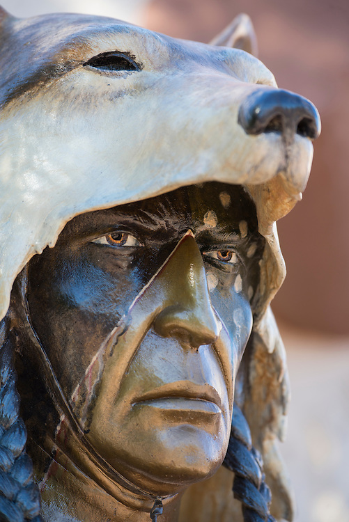USA, Arizona, Southwest,Phoenix, Scottsdale galleries on Main street, sculpture of an native american
