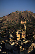 India. Rajasthan. village and  temples of  Amber     / le village et les temples   Amber Rajasthan  Inde
