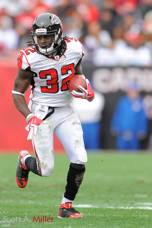 Jan. 3, 2010; Tampa, FL, USA; Atlanta Falcons running back Jerious Norwood (32) in action during the Falcons game against the Tampa Bay Buccaneers at Raymond James Stadium. ©2009 Scott A. Miller