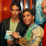 Gouden CD Jody Bernal, samen met AJax voetballer Daniel Cruz en Daniel Dekker