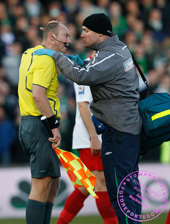 FIFA World Cup European Qualifying Group 3.Northern Ireland v Poland.Saturday 28 March 2009.The game was is stopped when the assistant referee is hit by a coin ..Photo by : Piotr Hawalej / WROFOTO