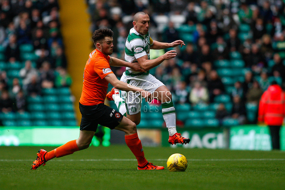 Celtic FC Midfielder Scott Brown making the run during the Ladbrokes Scottish Premiership match between Celtic and Dundee United at Celtic Park, Glasgow, Scotland on 25 October 2015. Photo by Craig McAllister.