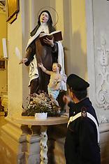 20131218 VANDALI CHIESA VIA SAVONAROLA
