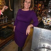 NLD/Amsterdam/20140512 - Uitreiking Nannic Award 2014, Angela Groothuizen