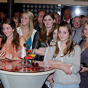 NLD/Amsterdam/20110929 - Presentatie biografie Mies Bouwman, dochter en kleinkinderen Mies en Leen Timp