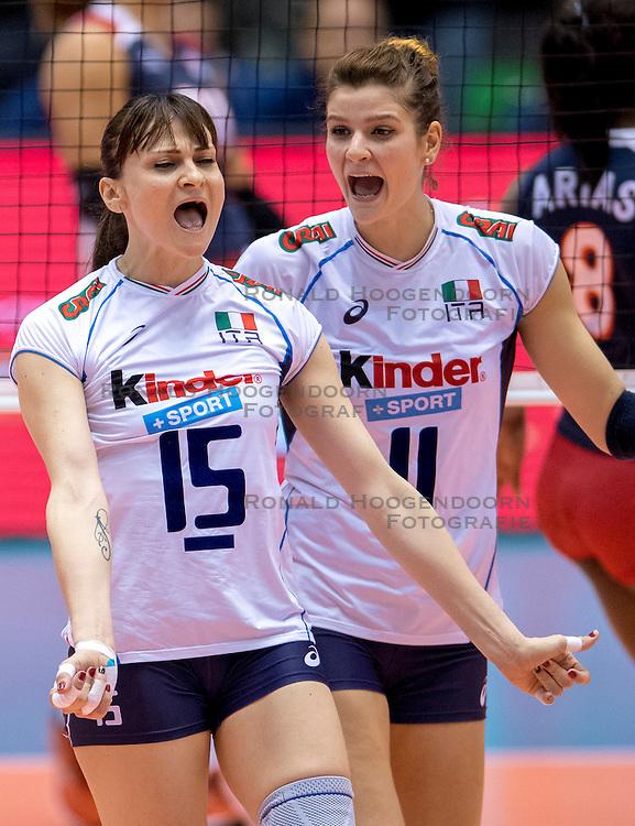 17-05-2016 JAP: OKT Dominicaanse Republiek - Italie, Tokio<br /> Italië verslaat Dominicaanse Republiek  met 3-0 / Antonella Del Core #15 of Italie, Cristina Chirichella #11 of Italie