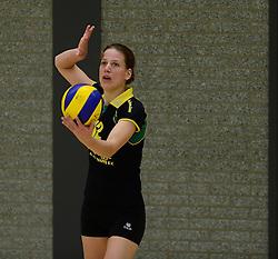 16-11-2013 VOLLEYBAL: KING SOFTWARE VCN - PRIMA DONNA KAAS HUIZEN: CAPELLE AAN DEN IJSSEL<br /> Huizen wint met 3-2 van VCN / Meike Martijn<br /> ©2013-FotoHoogendoorn.nl