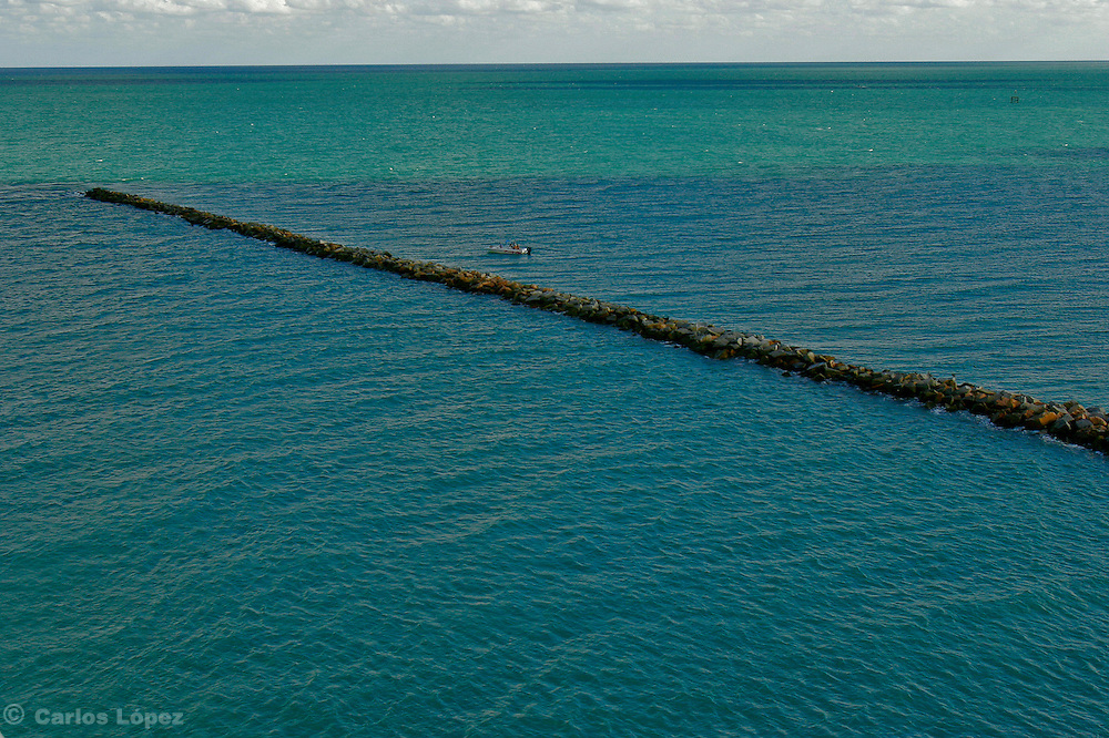 A pier is going into the sea