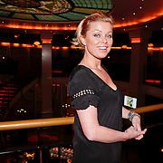 NLD/Hilversum/20110104 - Persviewing RTL5 programma Wie is de Reisleider, Bridget Maasland