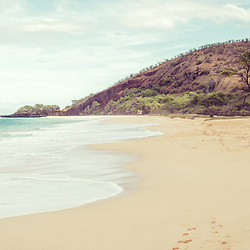 Makena Big Beach Maui Hawaii retro photo. Big Beach is in Wailea-Makena Kihei Hawaii and is one of Maui's most popular beaches. Copyright ⓒ 2019 Paul Velgos with All Rights Reserved.