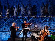Eclats Concert mit einem Ensemble des Collegium Novum Zürich mit Christoph Brunner, Schlagzeug; Urs Walker, Violine; Patrick Jüdt, Viola; Imke Frank, Violoncello; Martina Schucan, Violoncello; 22. Januar 2011, MAHF, Fribourg. © Romano P. Riedo