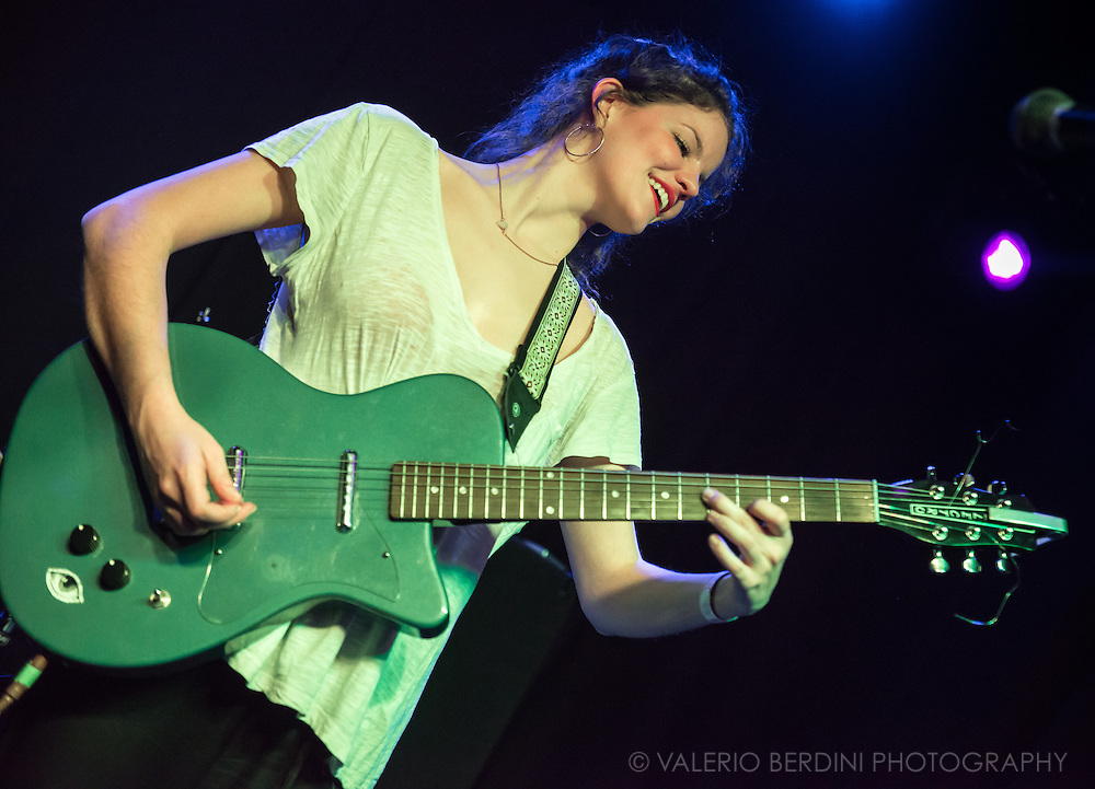 Hinds (the all-female spanish band formerly known as Deers) playing Boston Arms in London on 21 January 2015