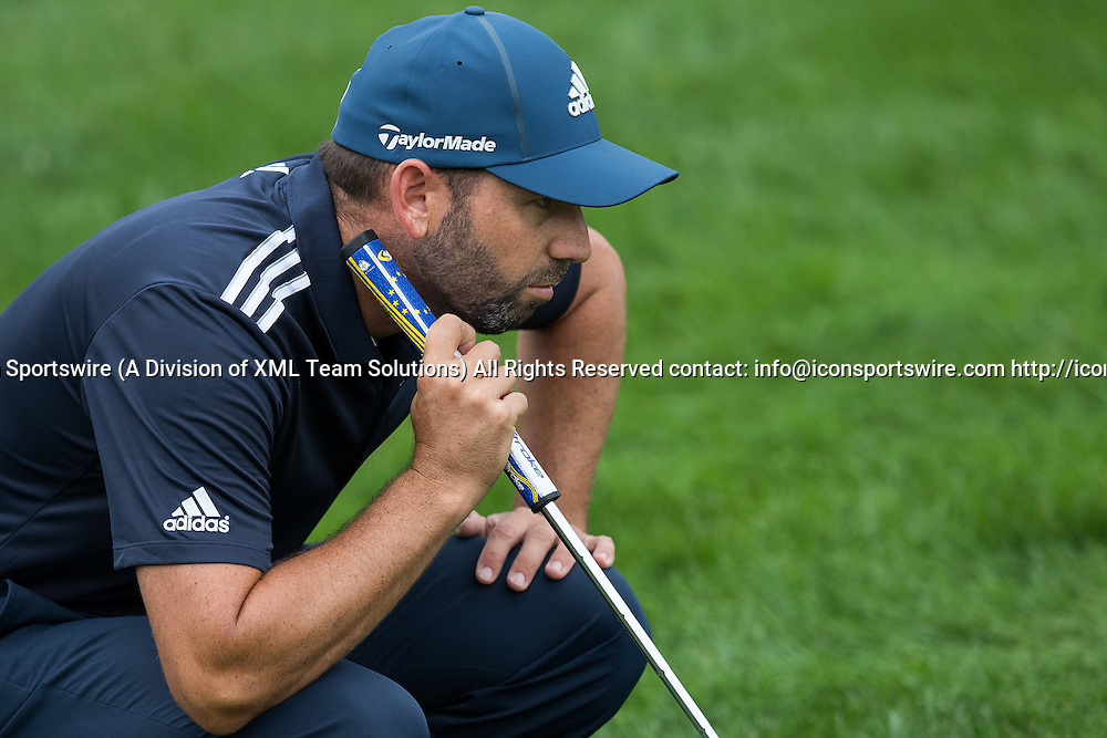 September 8, 2016: Sergio Garcia lines up a putt on hole number 2 during the first round of the BMW Championship at Crooked Stick Golf Club in Carmel, IN.  (Photo by Zach Bolinger/Icon Sportswire)