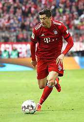 09.03.2019, Allianz Arena, Muenchen, GER, 1. FBL, FC Bayern Muenchen vs VfL Wolfsburg, 25. Runde, im Bild Robert Lewandowski // during the German Bundesliga 25th round match between FC Bayern Muenchen and VfL Wolfsburg at the Allianz Arena in Muenchen, Germany on 2019/03/09. EXPA Pictures © 2019, PhotoCredit: EXPA/ SM<br /> <br /> *****ATTENTION - OUT of GER*****
