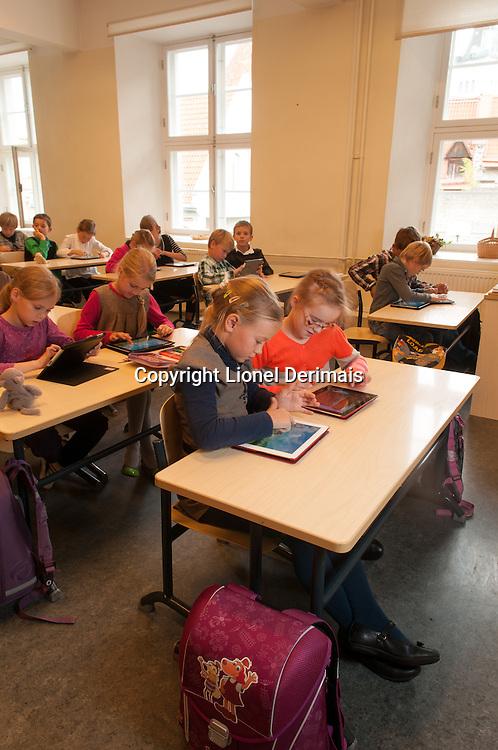 8 year-old schoolchildren in Tallinn (Estonia) learn mathematics on iPads.