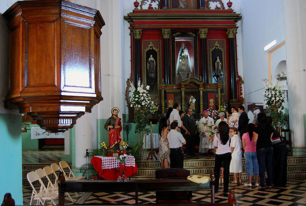 CALABOZO<br /> Iglesia de Camaguan.<br /> Estado Guarico - Venezuela 2008<br /> (Copyright &copy; Aaron Sosa)<br /> <br /> Calabozo, oficialmente Villa de Todos los Santos de Calabozo, es una ciudad de Venezuela situada en el estado Gu&aacute;rico, capital del municipio Sebasti&aacute;n Francisco de Miranda y antigua capital del estado. Tiene una poblaci&oacute;n de 325.477 habitantes. Se ubica en el centro-oeste del estado Gu&aacute;rico, es el primer productor de arroz del pa&iacute;s, con un 60%. Cuenta con el sistema de riego m&aacute;s grande de Venezuela. Tiene una importante potencialidad por desarrollar, pues es la primera en consumo de bienes y servicios del estado.<br /> Calabozo est&aacute; situada a 101 msnm, en las m&aacute;rgenes del R&iacute;o Gu&aacute;rico, en el alto llano central. En el mapa es f&aacute;cil de encontrar junto a la Represa Generoso Campilongo, una importante obra tanto de su tiempo como en la actualidad.<br /> <br /> Calabozo is situated in the midst of an extensive llano on the left bank of the Gu&aacute;rico River, on low ground, 325 feet above sea-level and 123 miles S.S.W. of Caracas. The plain lies slightly above the level of intersecting rivers and is frequently flooded in the rainy season; in summer the heat is most oppressive, the average temperature being 69 Fahrenheit.<br /> In its vicinity are thermal springs. The principal occupation of its inhabitants is cattle-raising. The town is well built, regularly laid out with streets crossing at right angles, and possesses several fine old churches, a college and public school. It is a place of considerable commercial importance because of its situation in the midst of a rich cattle-raising country.
