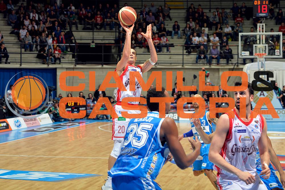 DESCRIZIONE : Final Eight Coppa Italia 2015 Semifinale Dinamo Banco di Sardegna Sassari - Grissin Bon Reggio Emilia<br /> GIOCATORE : Andrea Cinciarini<br /> CATEGORIA : tiro three points<br /> SQUADRA : Grissin Bon Reggio Emilia<br /> EVENTO : Final Eight Coppa Italia 2015 <br /> GARA : Dinamo Banco di Sardegna Sassari - Grissin Bon Reggio Emilia<br /> DATA : 21/02/2015<br /> SPORT : Pallacanestro <br /> AUTORE : Agenzia Ciamillo-Castoria/Max.Ceretti