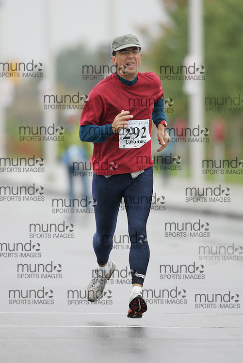 (13/10/2007--Ottawa) TransCanada 10K Canadian Championship run by Athletics Canada. The athlete in action is CLAUDE LARAMEE