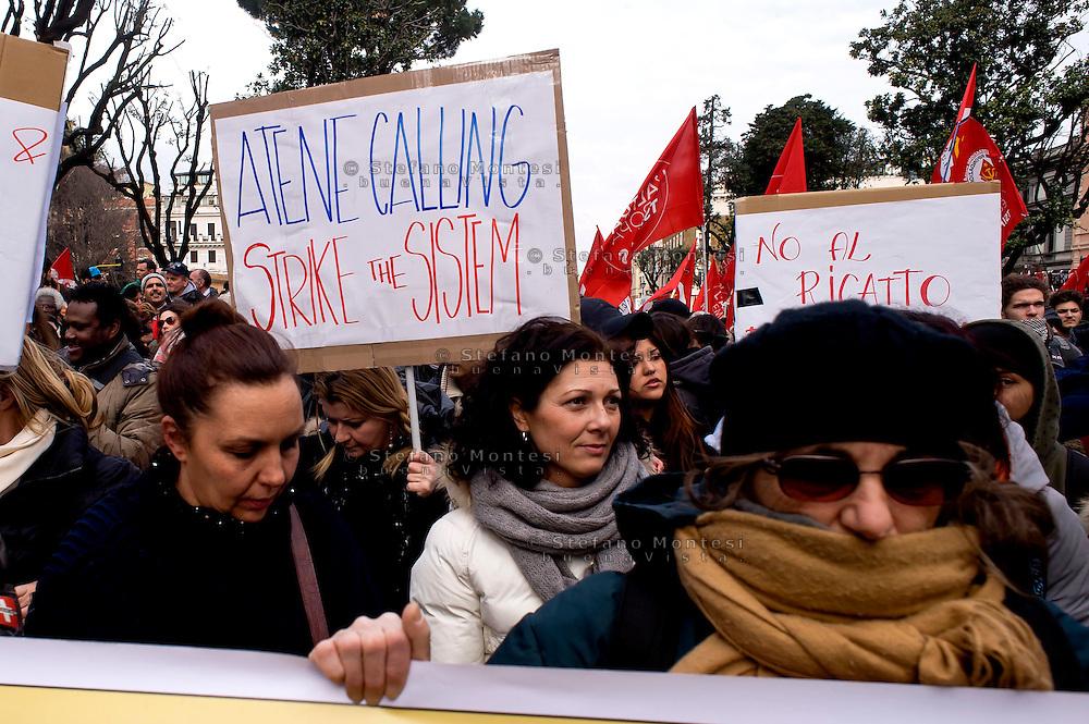 Roma, 14 Febbraio  2015<br /> Manifestazione di solidarietà con la Grecia di Alexis Tsipras e contro le politiche di austerity imposte dalla troika.<br /> Rome, February 14, 2015<br /> Demonstration of solidarity with Greece  of Alexis Tsipras and against austerity policies imposed by the Troika.