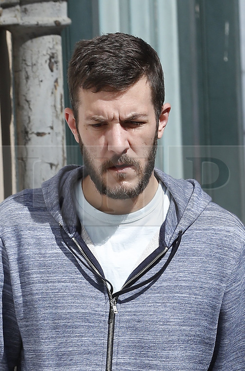 © Licensed to London News Pictures. 17/07/2017. London, UK. Chris Gard arrives at Great Ormond Street Hospital before US Doctor Michio Hirano arrives to examine terminally ill toddler Charlie Gard. The parents of terminally ill Charlie Gard returned to the High Court last week in light of new evidence relating to potential treatment for their son's condition. An earlier lengthy legal battle ruled that Charlie could not be taken to the US for experimental treatment. London, UK. Photo credit: London News Pictures