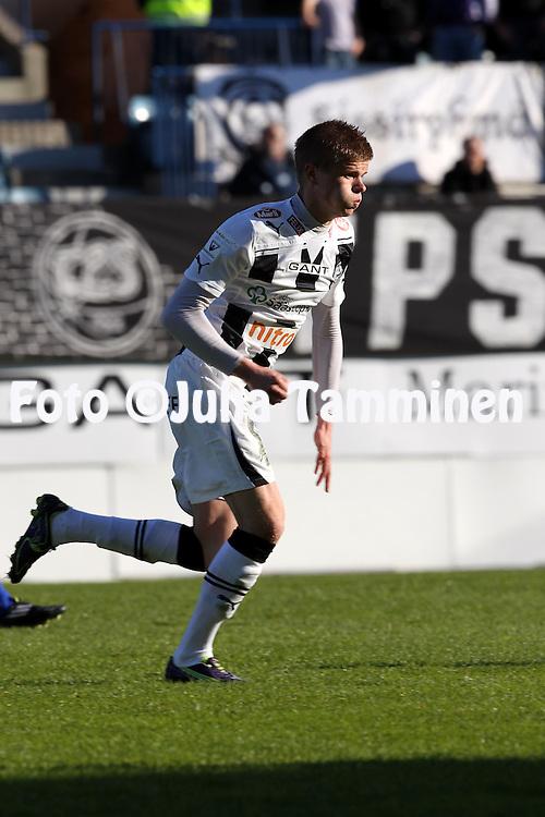 6.5.2011, Veritas stadion, Kupittaa, Turku..Veikkausliiga 2011, FC TPS Turku - FC HJK Helsinki..Petteri Pennanen - TPS.©Juha Tamminen.