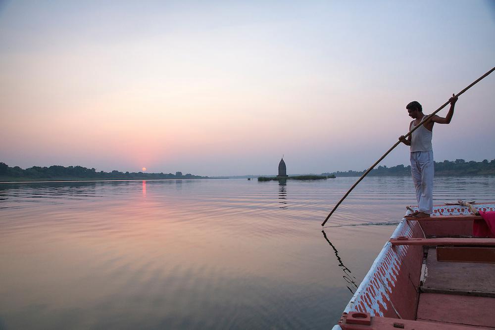 on river in Maheshwar, India