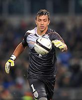 Fussball International, Nationalmannschaft   EURO 2012 Play Off, Qualifikation, Italien - Uruguay      15.11.2011 Torwart Fernando Muslera (Uruguay)