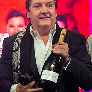 NLD/Amsterdam/20200211 - Uitreiking Edison Pop 2020, Rene Froger met grote fles  Bollinger champagne