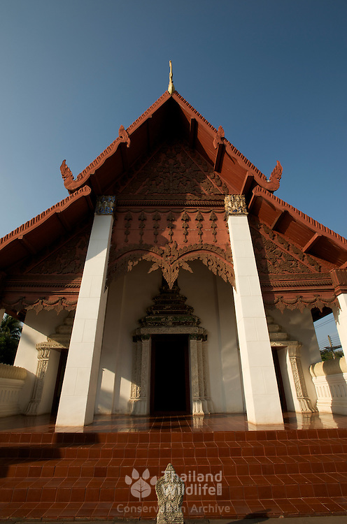 Wat Hua Khuang in Nan, Thailand. This building is combined Viharn and ubosot.